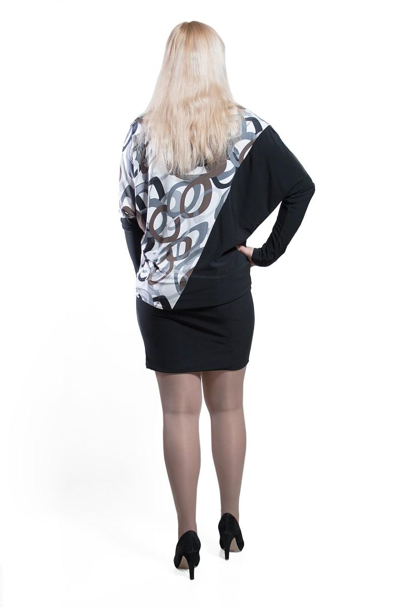 Вязаная платье-туника с рукавами летучая мышь